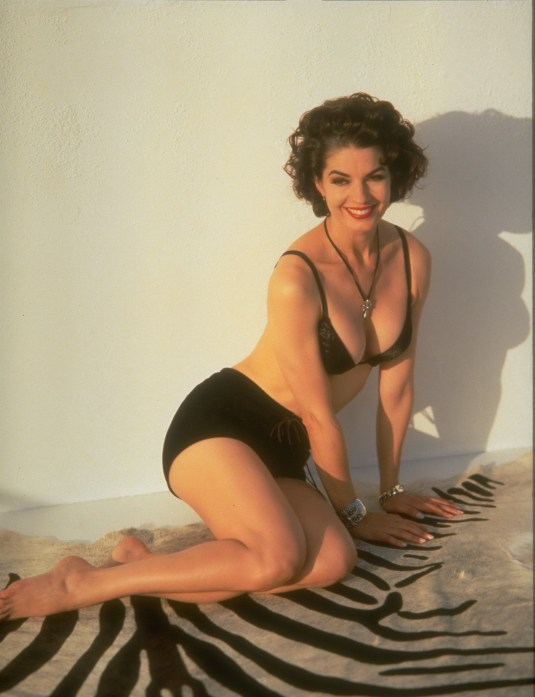 Sela Ward on Barefoot Beauties