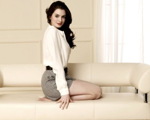 Anne-Hathaway on the couch feet