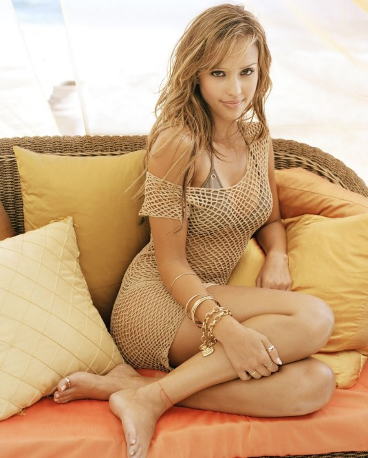Jessica Alba on Barefoot Beauties