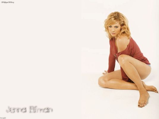 Jenna Elfman feet wallpaper