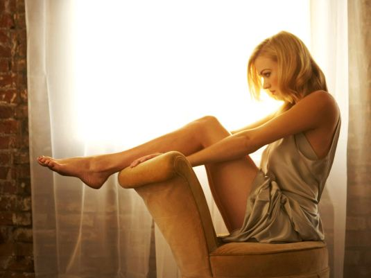 Yvonne Strahovski Barefoot Beauty feet